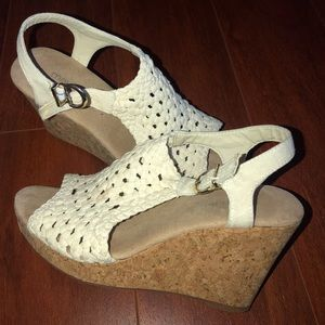 White Wedges! Size 6